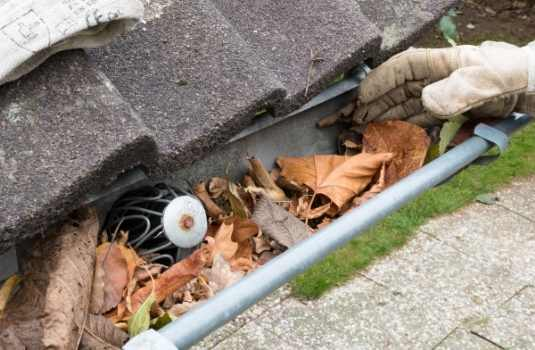 professional pittsburgh gutter cleaning